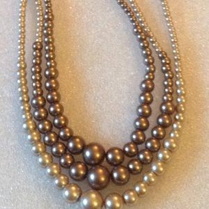 Vintage pearl 3 strand necklace